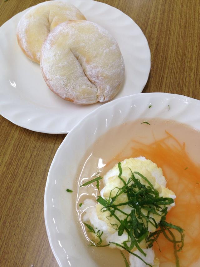 会館でのレッスン、インスタントドライイーストで、ふわふわ白パンを作りました。