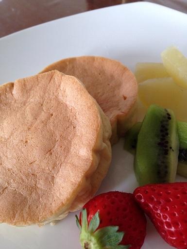 京都江部粉パンミックスでレモン風味のパンケーキを作りました。