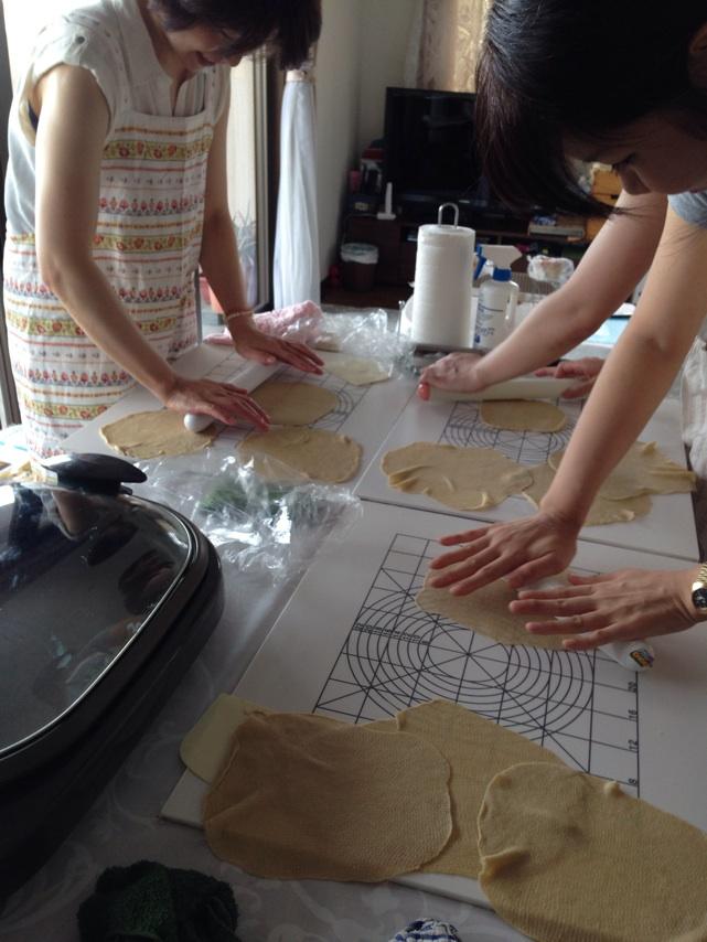 トルテイーヤ作り。