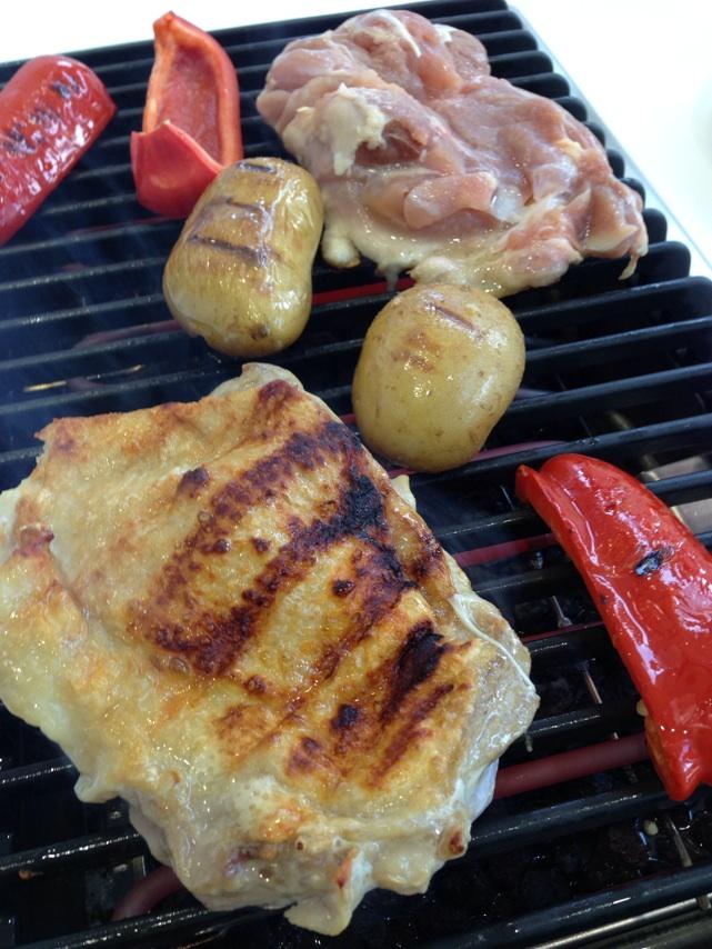 ミーレ・バーベキューグリル鶏肉を焼きました。