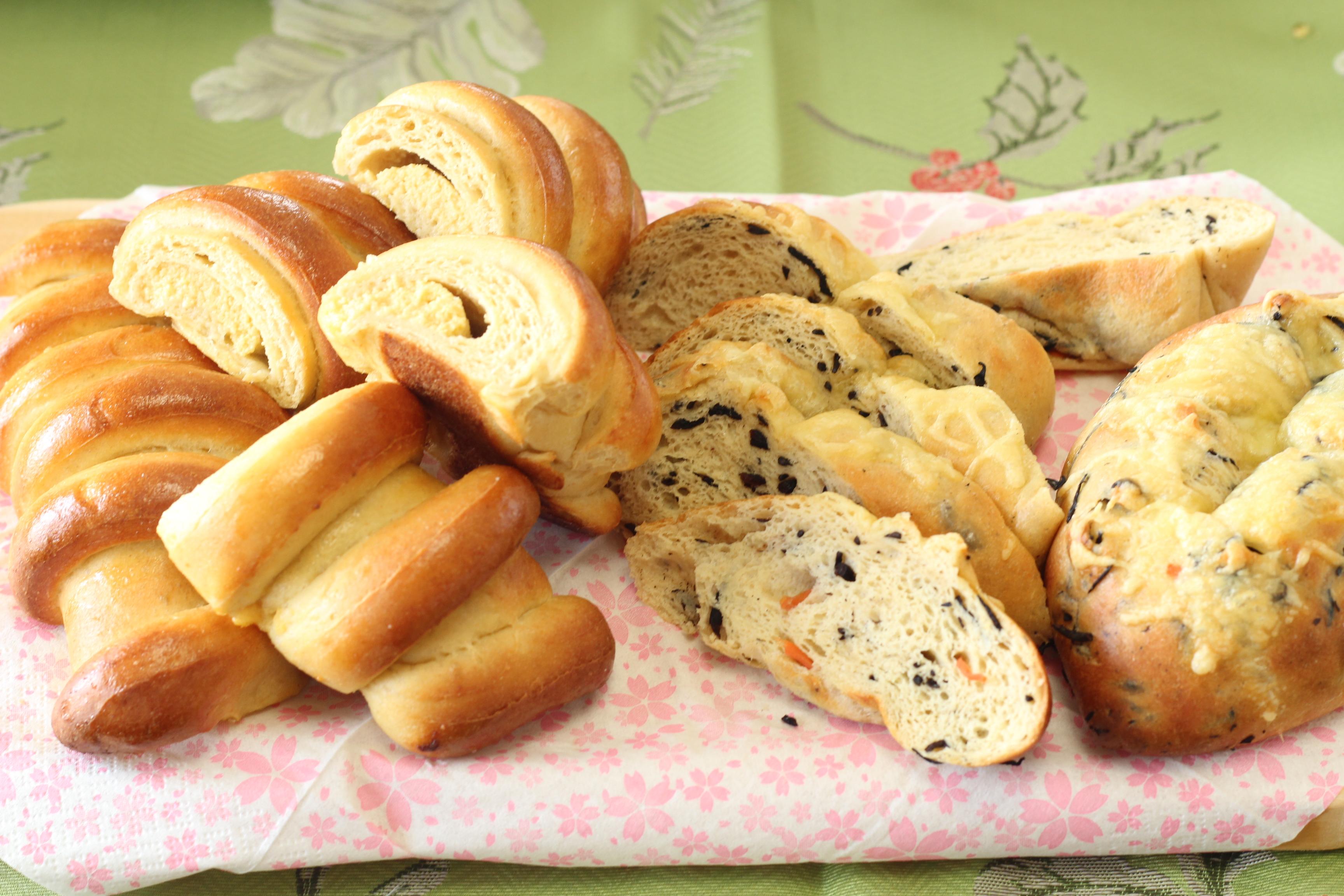 阿倍野区西田辺a-ta-sante 糖質制限パン料理教室。京都江部粉糖質制限パンベーシックコース1期生5回目メニュー『ひじきパン&クリームぱん』