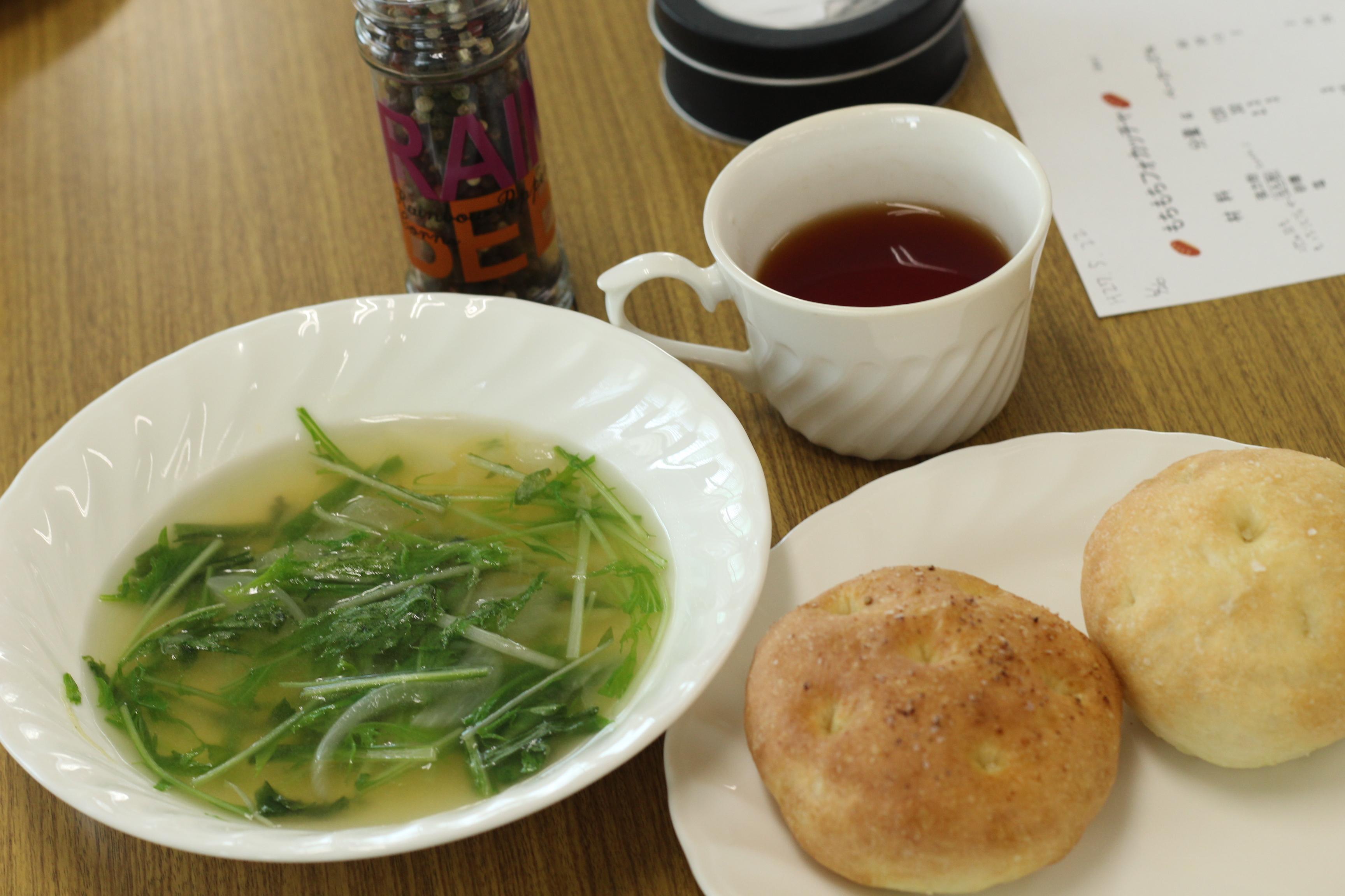 阿倍野区西田辺a-ta-sante糖質制限パン料理教室。会館でのレッスン、インスタントドライイーストでもちもちフォカッチャ。