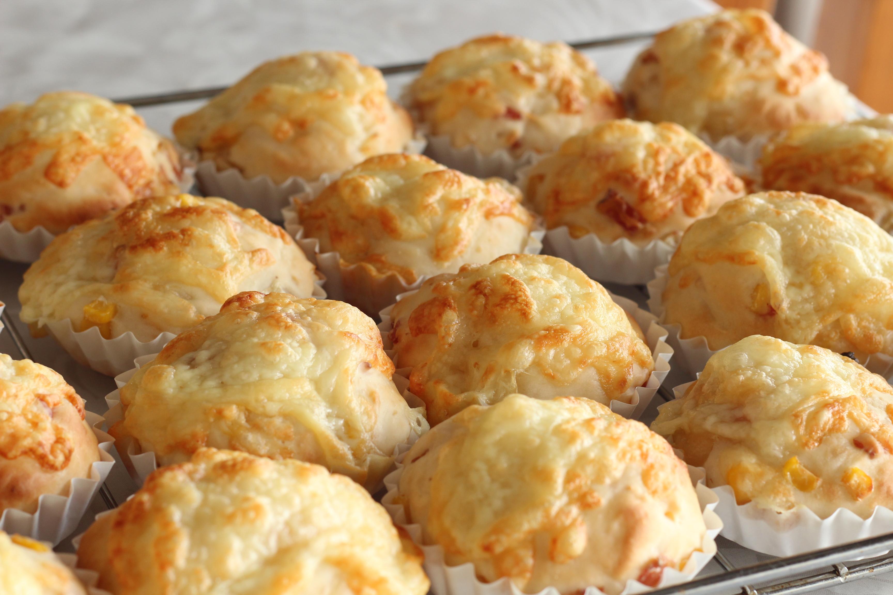 阿倍野区西田辺a-ta-sante糖質制限パン料理教室。インスタントドライイーストと国内産小麦のパンの差し入れ。