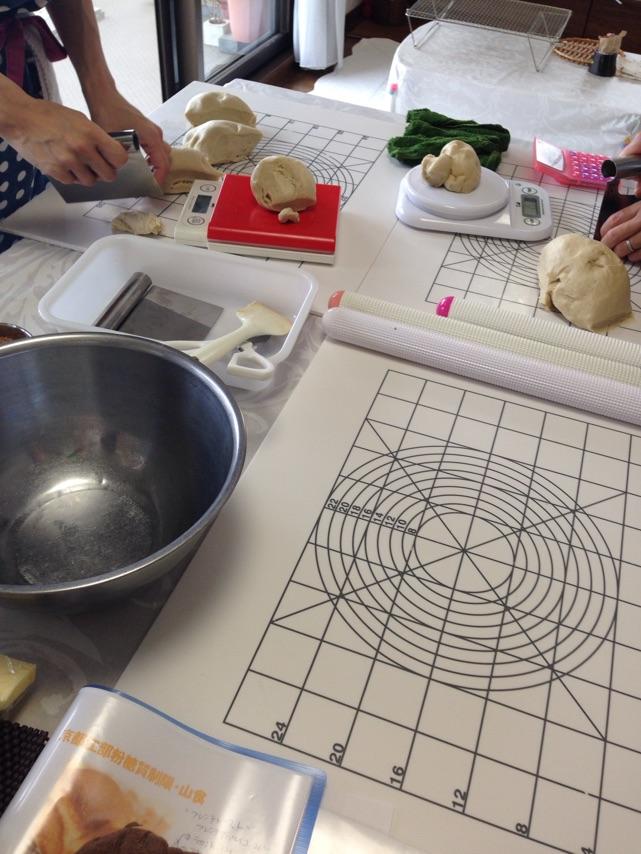 京都江部粉糖質制限パンベーシックコース最終回『糖質制限山食&糖質制限ごまパン』a-ta-sante糖質制限パン料理教室、阿倍野区西田辺。