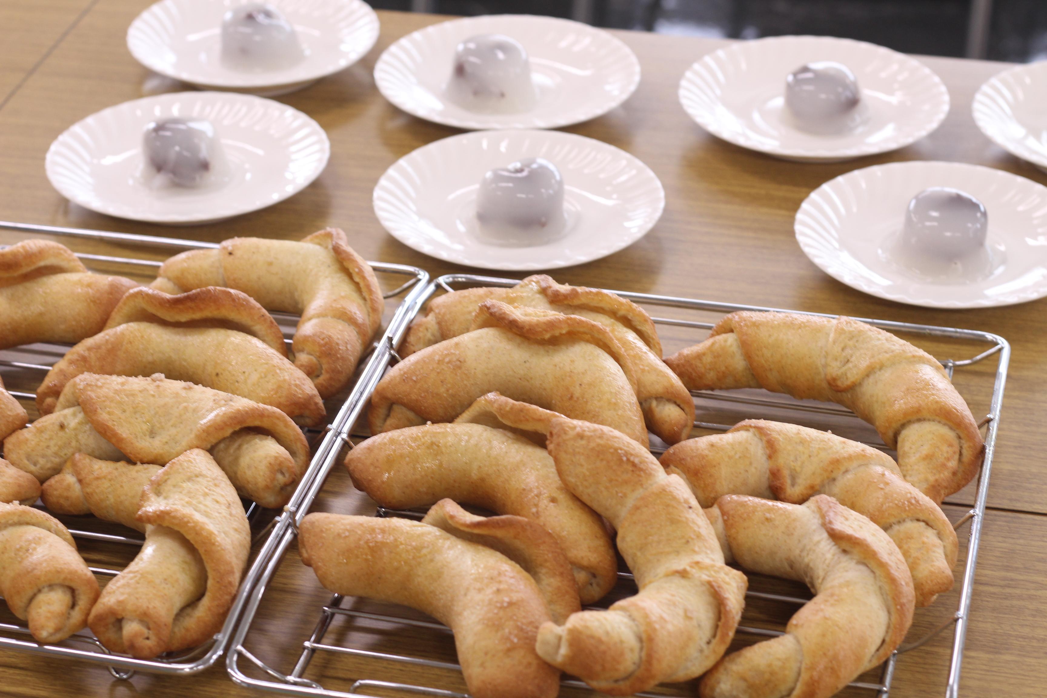 a-ta-sante糖質制限パン料理教室、阿倍野区西田辺会館でのレッスン、塩オリーブロールパン。