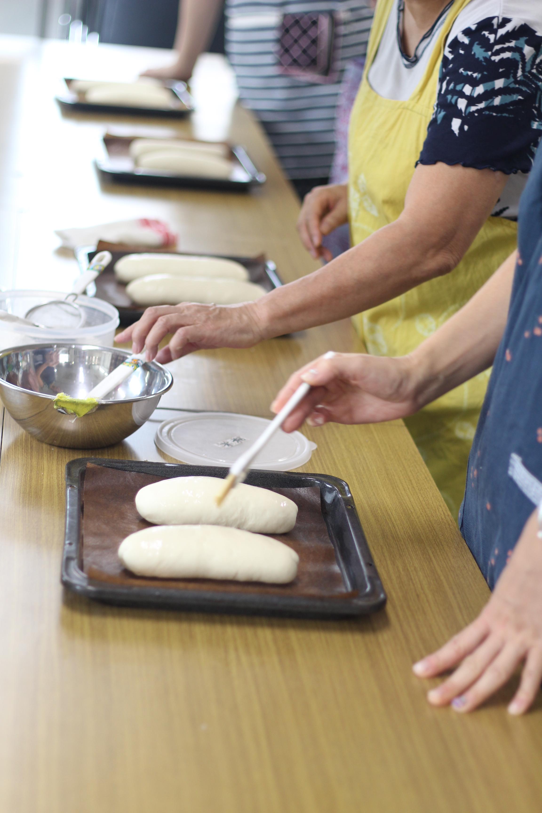 a-ta-sante糖質制限パン料理教室、阿倍野区西田辺。会館でのレッスン、セミハードブレッド。