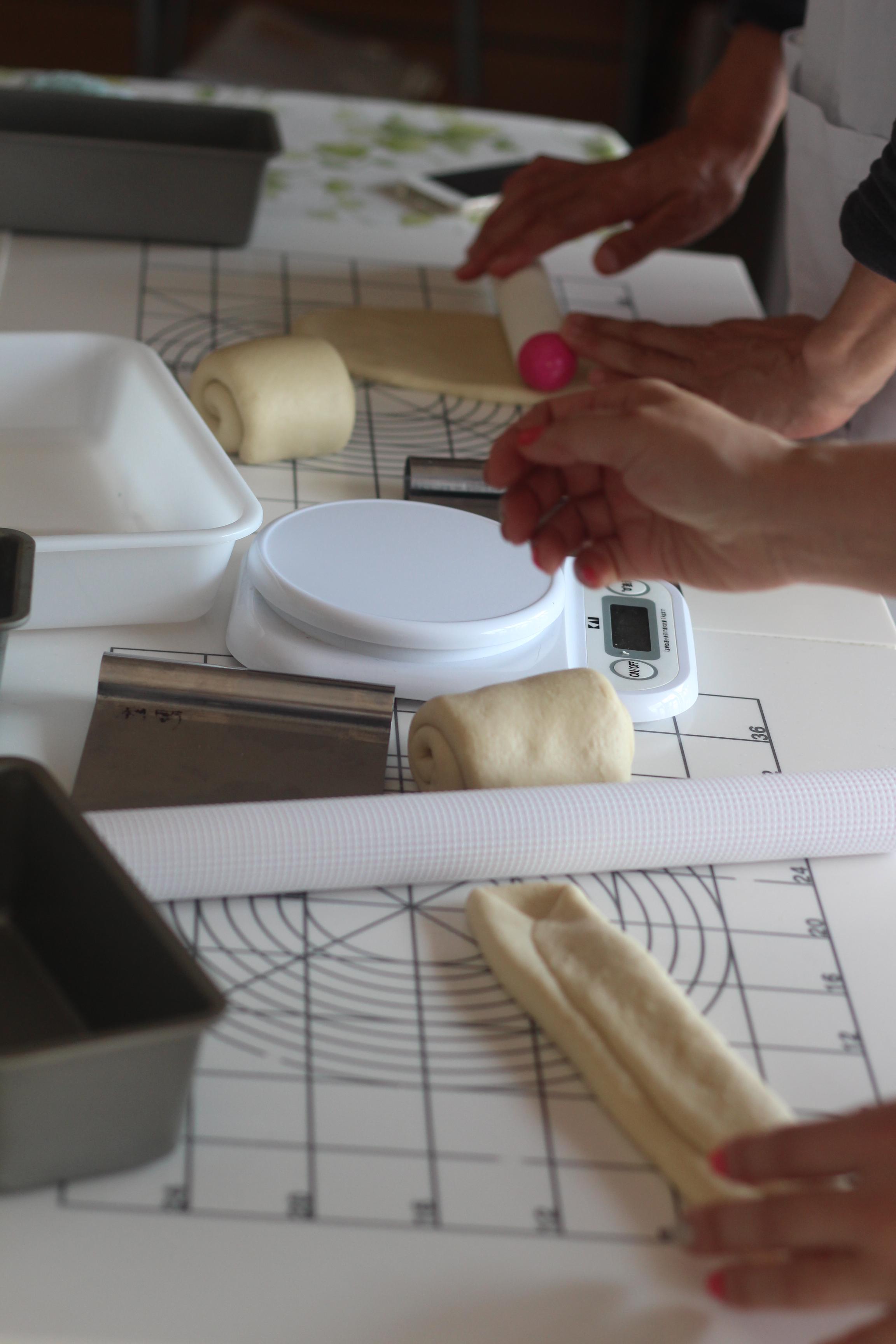 a-ta-sante糖質制限パン料理教室、阿倍野区西田辺。京都江部粉糖質制限パンベーシックコース最終回、山食&ごまパン。