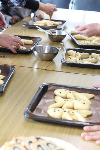 a-ta-sante糖質制限パン料理教室、阿倍野区西田辺。会館でのレッスン『ヴェックマン』3回目。