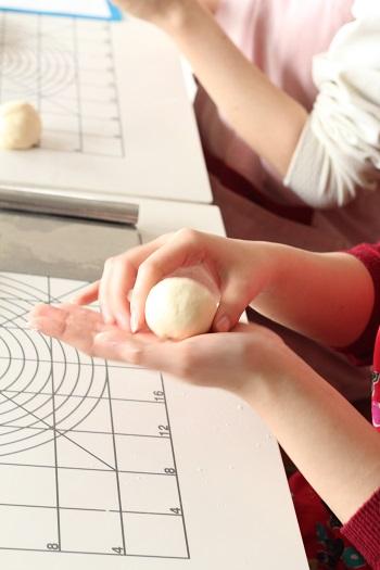 a-ta-sante糖質制限パン料理教室、阿倍野区西田辺。プライベートレッスン、可愛い女子大生とパンレッスン。パン作り初心者。