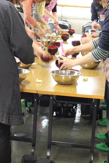 a-ta-sante糖質制限パン料理教室。会館でのレッスン『ベジロールパン』