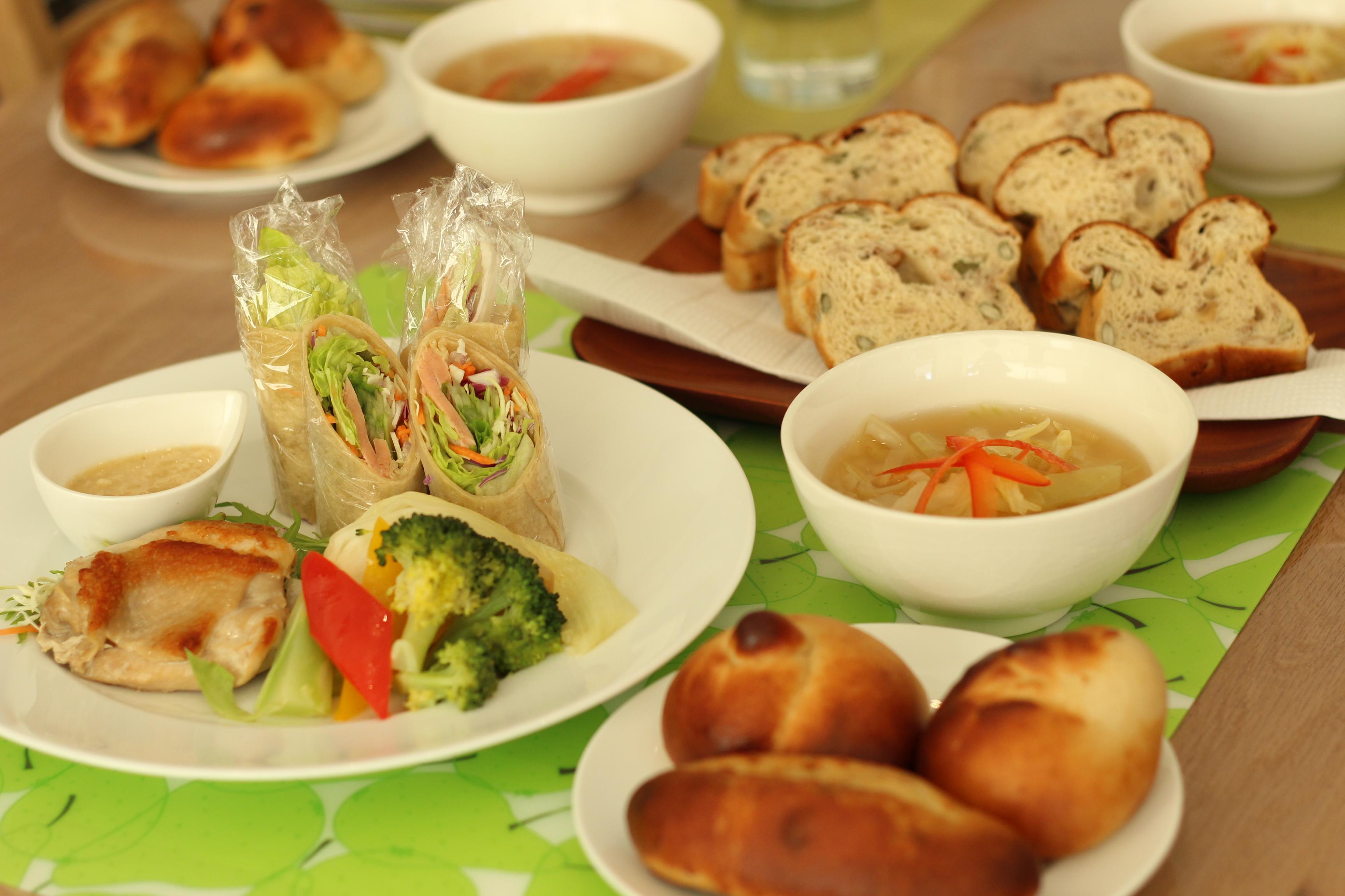 a-ta-sante糖質制限パン料理教室。京都江部粉糖質制限パン体験レッスン『プチパン&ナッツブレッド』