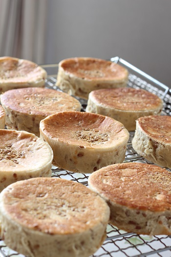 a-ta-sante糖質制限パン料理教室。京都江部粉仇版すコース『アマニのイングリッシュマフィン&マラサダ』