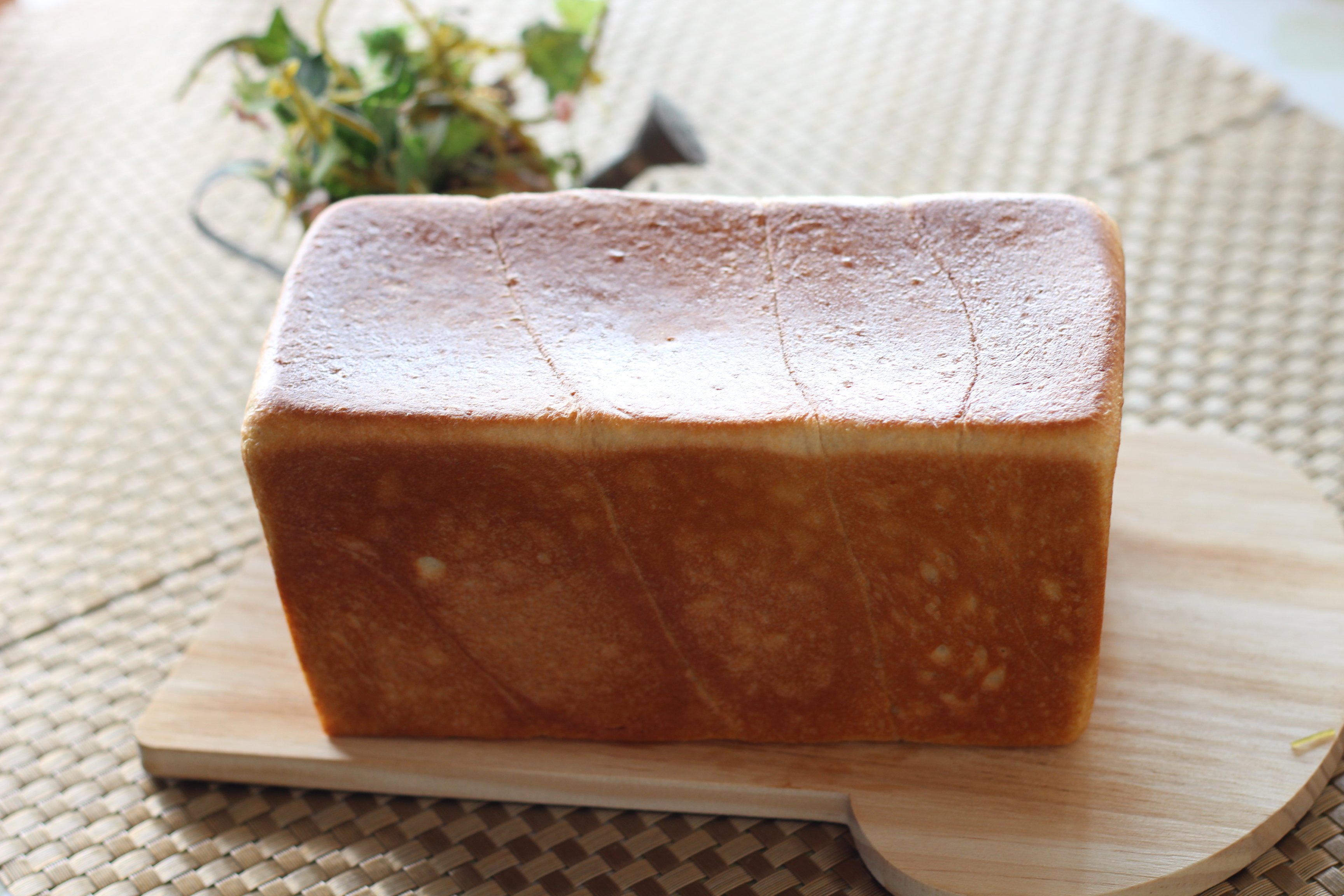 a-ta-sante糖質制限パン料理教室。京都江部粉糖質制限パンアドバンスコース最終メニュー『角食&crown 』出来上がっています。