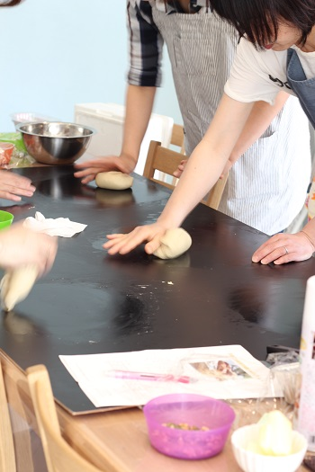 a-ta-sante糖質制限パン料理教室。京都江部粉糖質制限パン、ベーシックスコース1回目『ナッツブレッド&ロールパン』