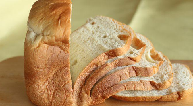 京都江部粉糖質制限パンミックスを使ったホームベーカリー食パン。