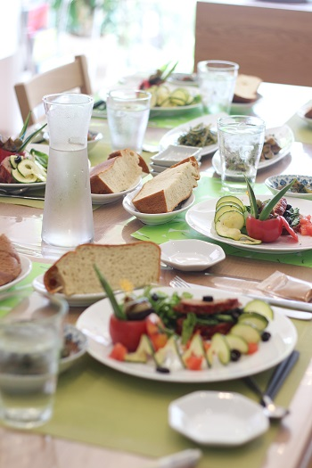 a-ta-sante糖質制限パン料理教室。大阪市阿倍野区。おしゃれで楽しい低糖質料理教室8月初日。テーマは、『夏野菜』