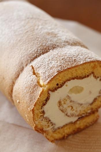 糖質制限パン・料理教室a-ta-sante。小麦粉、砂糖不使用のグルテンフリーの低糖質ロールケーキ、糖質の気になる方も安心して参加出来る教室です。阿倍野区西田辺。阿倍野ハルカスで開催です。