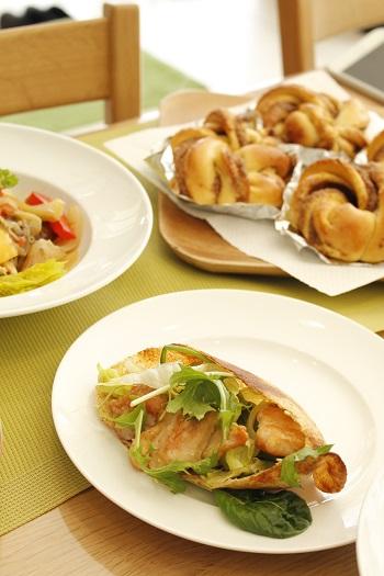 a-ta-sante糖質制限パン料理教室。京都江部粉ベーシックコース3回目『シナモンロール&ピタパン』阿倍野区西田辺。