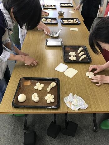 a-ta-sante糖質制限パン料理教室。西田辺。会館でのレッスン『パンの基本』