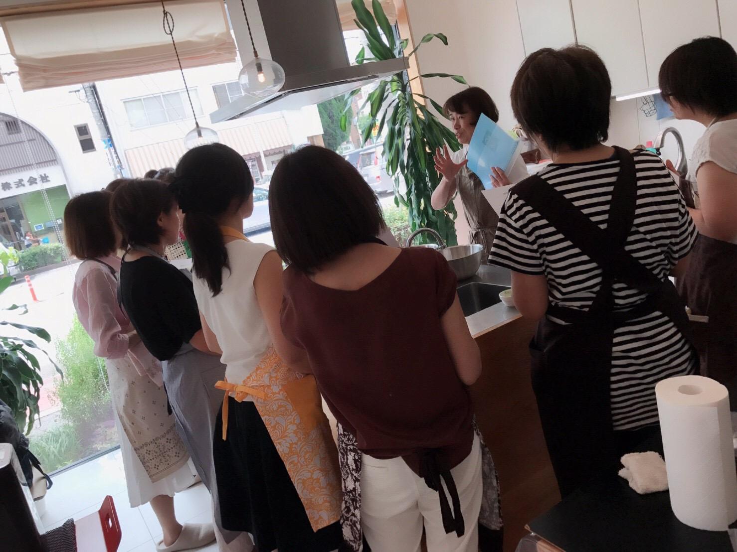 a-ta-sante糖質制限パン料理教室。京都江部粉を使った低糖質教室です。『糖質オフ・抹茶のシフォンケーキ&カルツオーネ』阿倍野区西田辺。