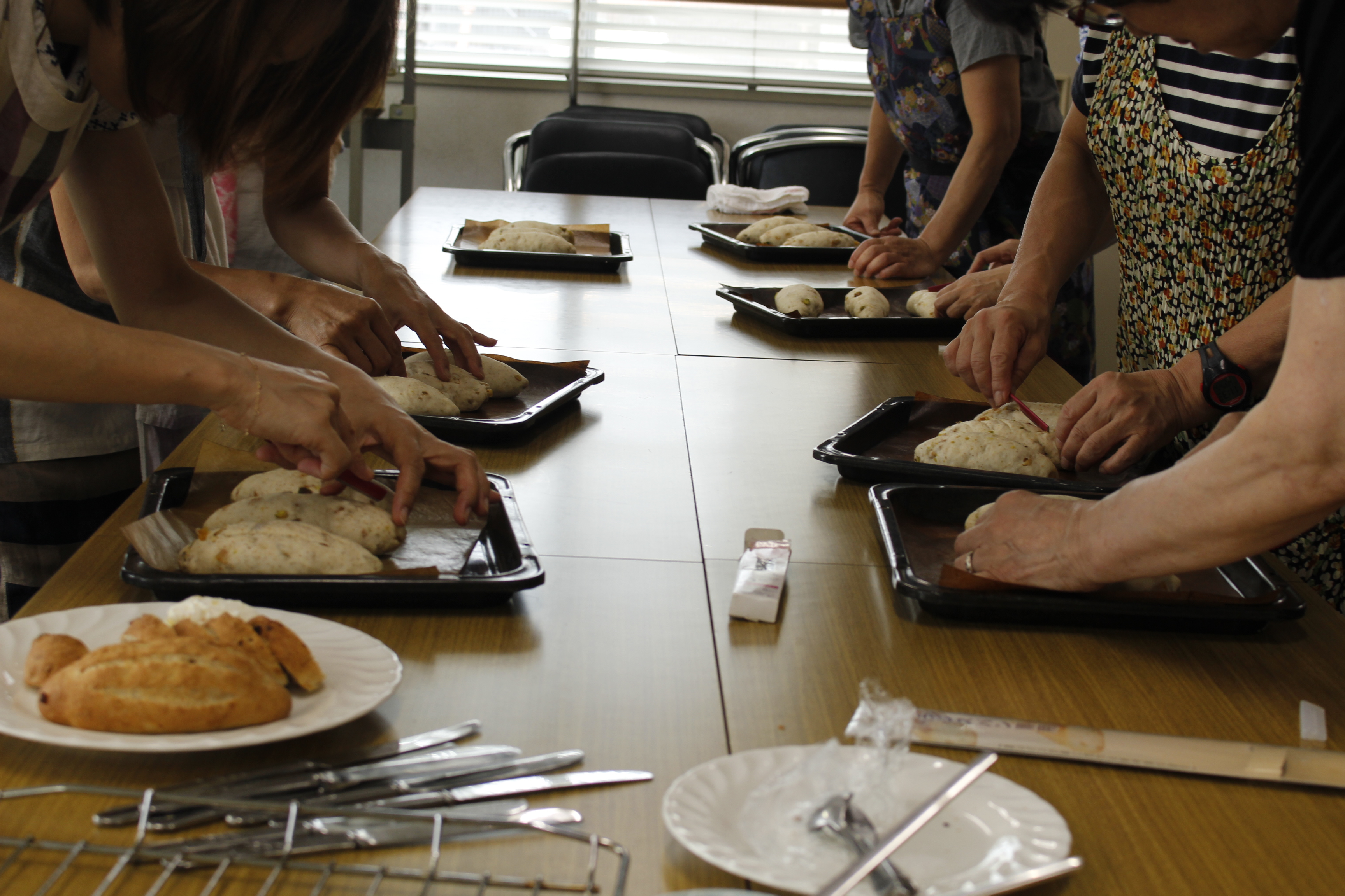a-ta-sante糖質制限パン料理教室。西田辺。会館でのレッスン『ナッツ&フルーツのライ麦パン』