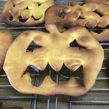 a-ta-sante糖質制限パン料理教室。西田辺。会館でのレッスン『かぼちゃのフーガス』糖質オフ食育アドバイザー、利野郁枝