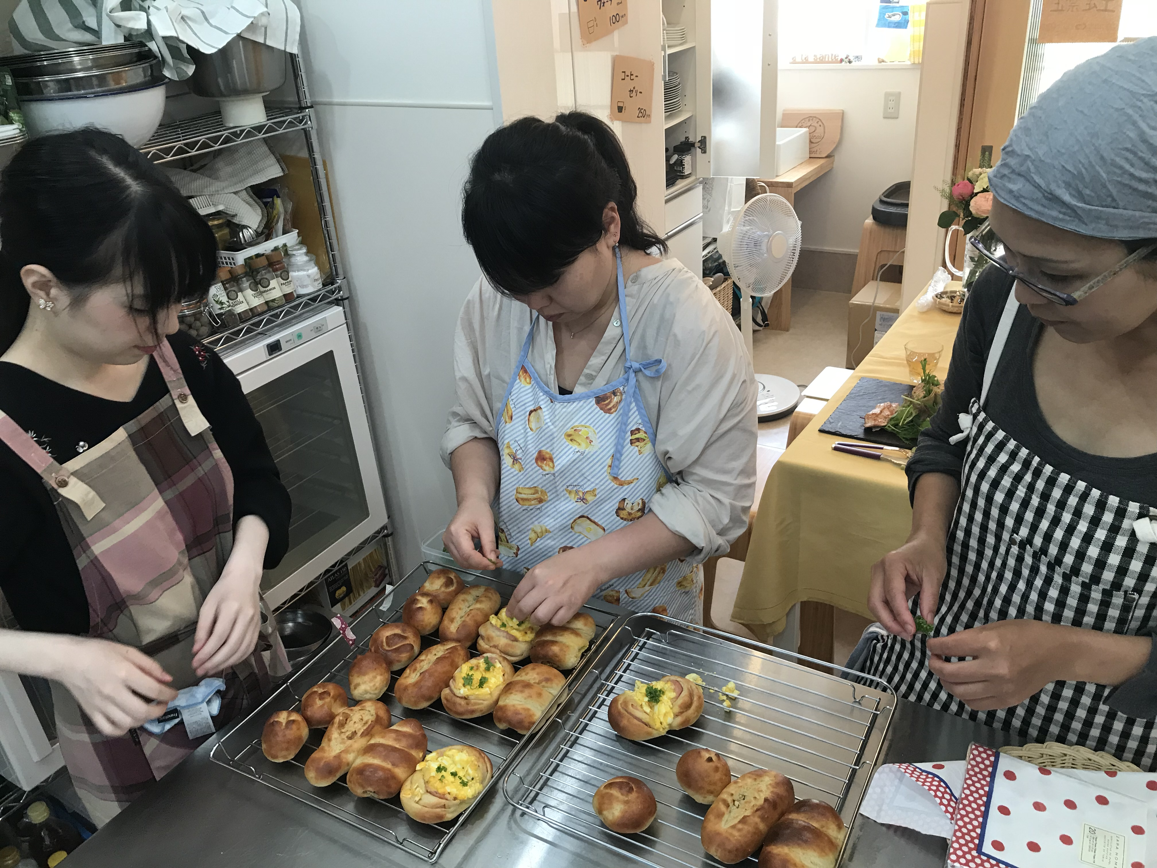 a-ta-sante糖質制限パン料理教室。阿倍野区。桃ヶ池町。a-ta-sant'e.京都江部粉糖質オフパン。パン体験会。利野郁枝。