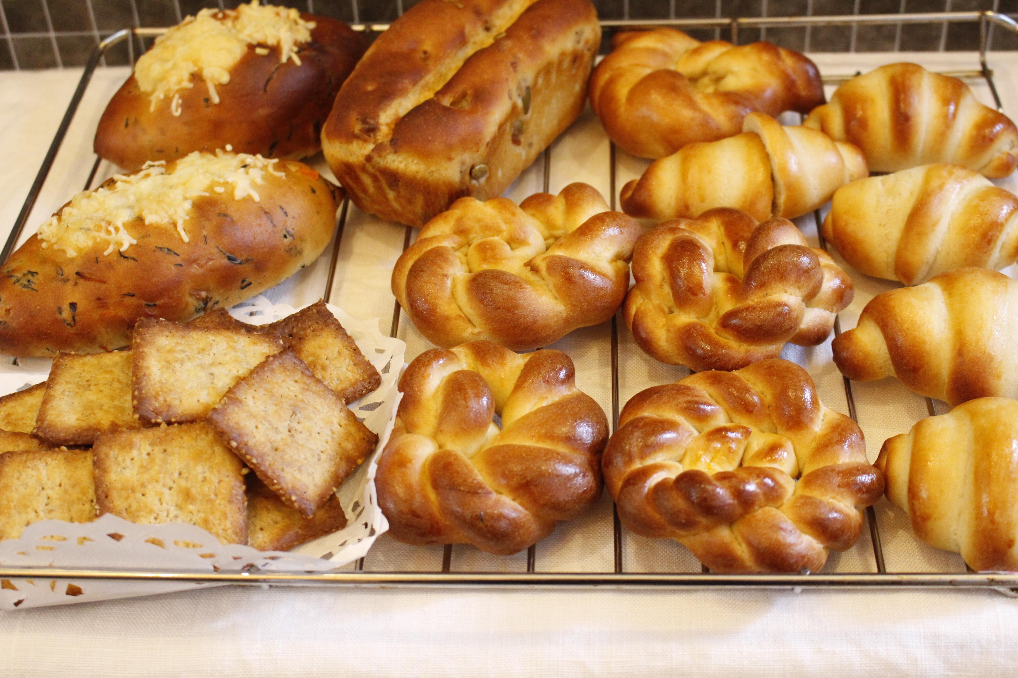 a-ta-sante糖質制限パン料理教室。阿倍野区。桃ヶ池町。a-ta-sant'e.京都江部粉糖質オフパン。コンプリートコースパート1。低糖質ロールパン。「糖質オフパンがここまで美味しくつくれる秘密!」低糖食コーディネーター。利野郁枝。a-ta-sante糖質制限パン料理教室。阿倍野区。桃ヶ池町。a-ta-sant'e.京都江部粉糖質オフパン。2020.3.16。コンプリートコースパート1。低糖質ロールパン。低糖食コーディネーター。利野郁枝。