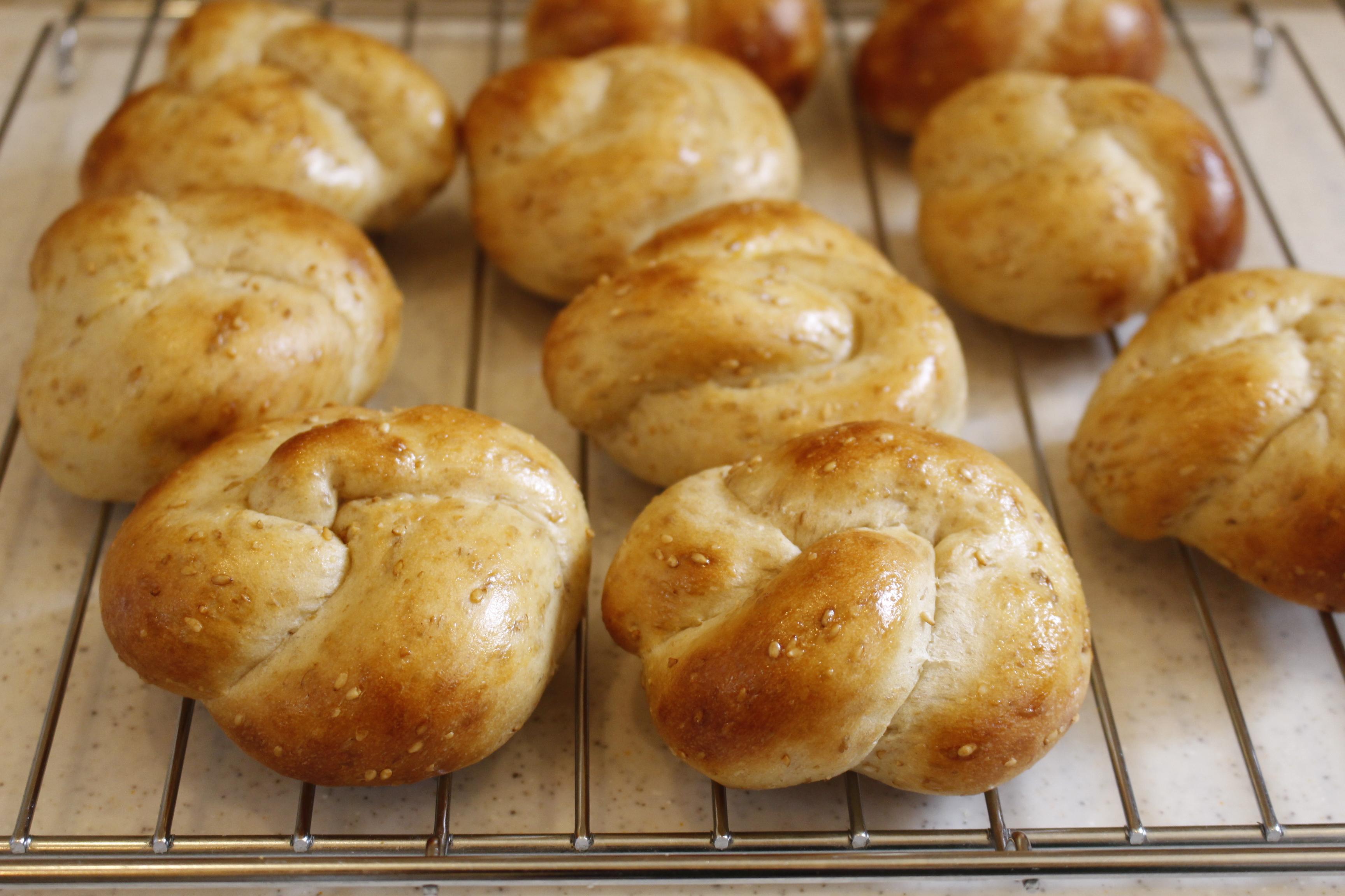 a-ta-sante糖質制限パン料理教室。阿倍野区。桃ヶ池町。a-ta-sant'e.京都江部粉糖質オフパン。コンプリートコースパート1。低糖質ロールパン。「糖質オフパンがここまで美味しくつくれる秘密!」低糖食コーディネーター。利野郁枝。a-ta-sante糖質制限パン料理教室。阿倍野区。桃ヶ池町。a-ta-sant'e.京都江部粉糖質オフパン。2020.6.26。コンプリートコースパート2。低糖質ロールパン。低糖食コーディネーター。利野郁枝。