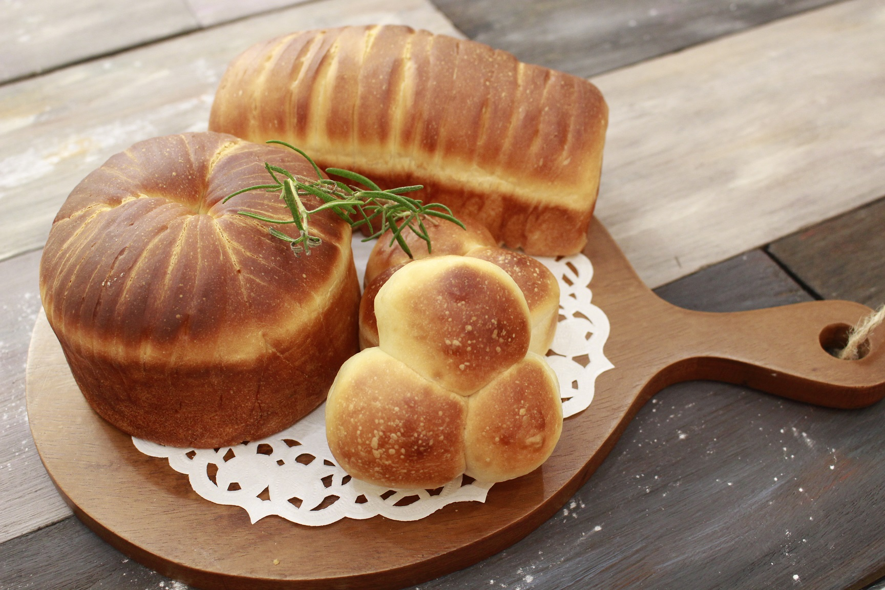 a-ta-sante糖質制限パン料理教室。阿倍野区。桃ヶ池町。a-ta-sant'e.スペルト小麦。ウールデコレーション。2021/10/15。低糖食コーディネーター。利野郁枝。